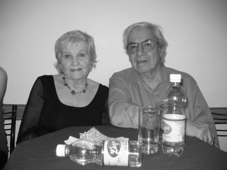 Rosita y Pocho en Maipu 444