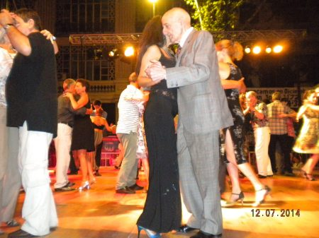 Ricardo Suarez dancing on stage at La Gran Milonga
